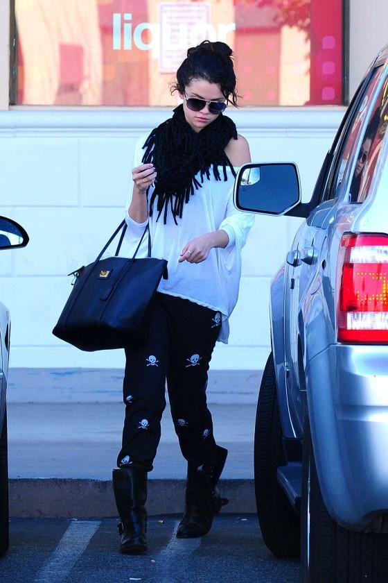 ��� ������ ����� �� ������ 2013 - ��� ������ ����� 2013 - Selena Gomez in Encino