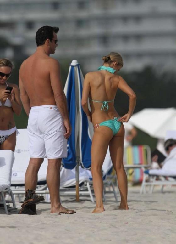 Joanna Krupa - Wearing a bikini on the beach in Miami