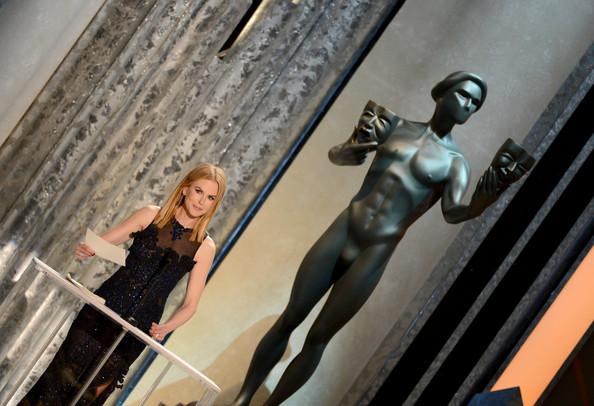 بالصور آن هاثواي وبن أفليك يحصدان جوائز SAG - صور حفل توزيع جوائز Screen Actors Guild