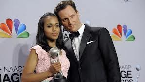 ��� ���� ������ �� ��� NAACP Image Awards , ��� ���� ������ ������ �� ����� Oscar de la Renta