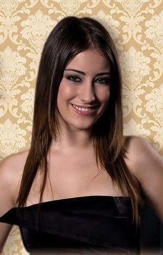 بالصور,الممثلة التركية هازال كايا تتجه للغناء, فريحة تتجه للغناء , صور هازال كايا تلجئ للغناء 2013