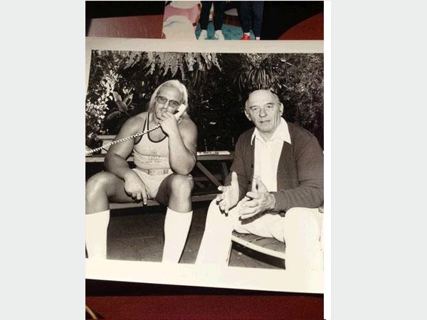 صور نادرة لهالك هوجان , صور هالك هوجان مع والده ووالدته