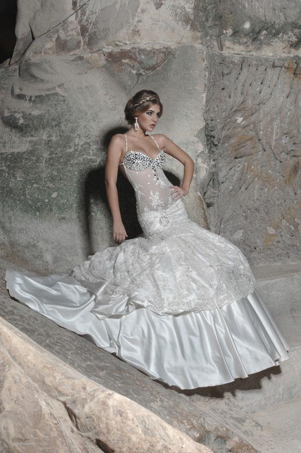 f3eb643252fd9 فساتين زفاف رائعه 2013 - احلى فساتين فرح 2013 - فساتين زفاف 2013