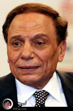عادل امام يعلن تأجيل تصوير مسلسل العراف حتى انتهاء ذكرى الثورة المصرية