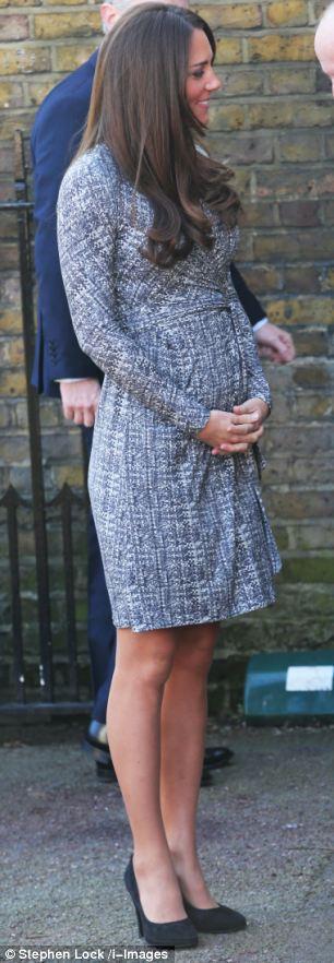 صور كيت ميدلتون وهي حامل , صور كيت ميدلتون بفستان يُظهر حملها