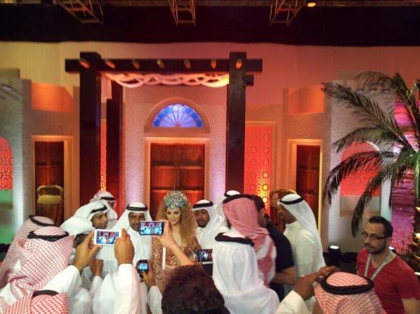 صور ميريام فارس في حفل مكياجي في دبي 2013