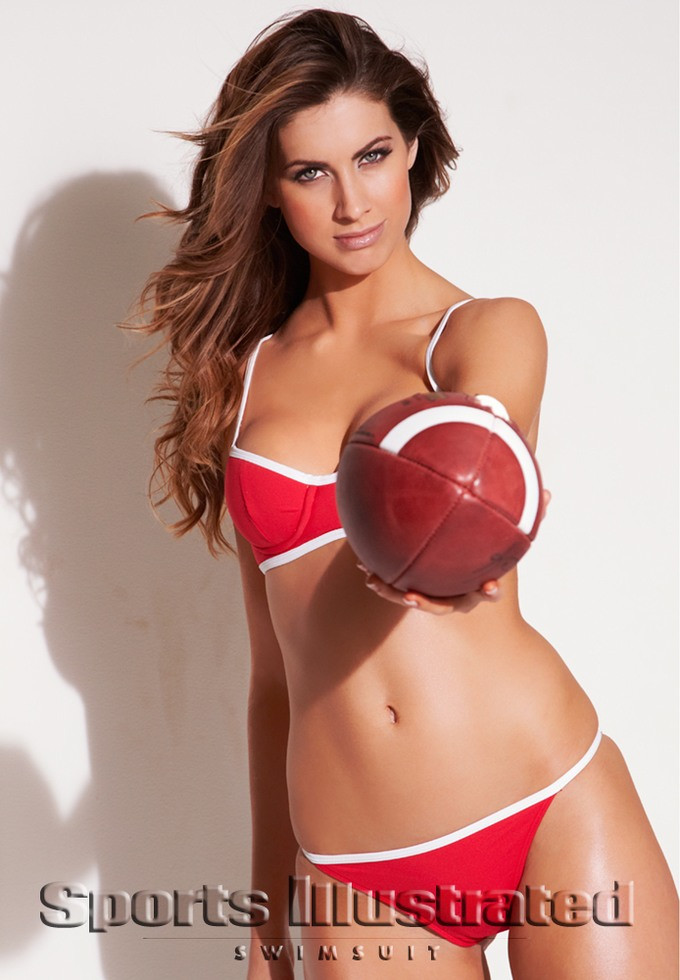 صور كاثرين ويب في جلسة تصوير Sports Illustrated Swimsuit 2013