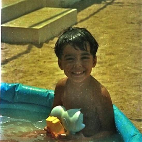 صور حسن الشافعي في مرحلة المراهقة والطفولة