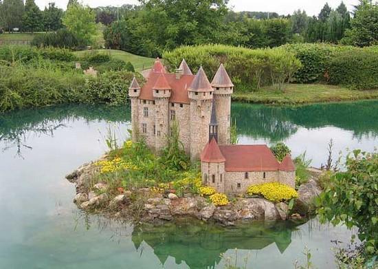 حديقة اليو نكورت الفرنسيه