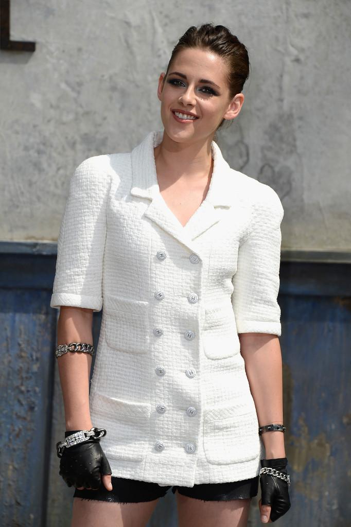 صور كريستين ستيوارت في أسبوع الموضة في باريس 2013