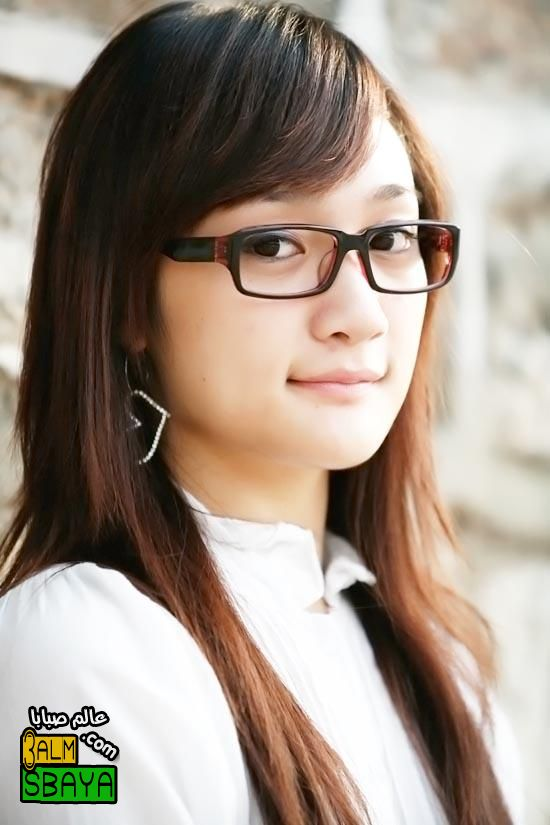 24bdd5cdf جديد النظارات الطبية 2012 - موضة النظارات الطبية 2012 - احدث كولكشن للنظارات  الطبية 2012