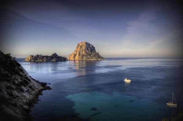 سياحة الأثرياء في جزيرة إيبزا الإسبانية 121735