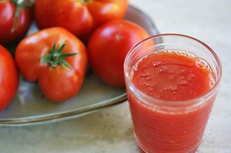 تعرفي على فوائد عصير البندورة/الطماطم 2013