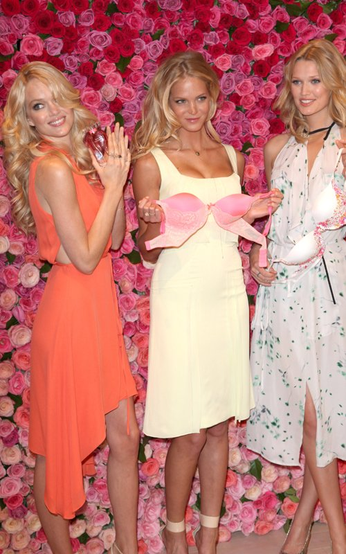 Victoria�s Secret Angels: Sexy at SoHo Launch