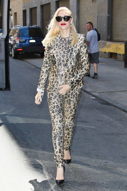 Gwen Stefani Shows Off Sexy Style in NYC
