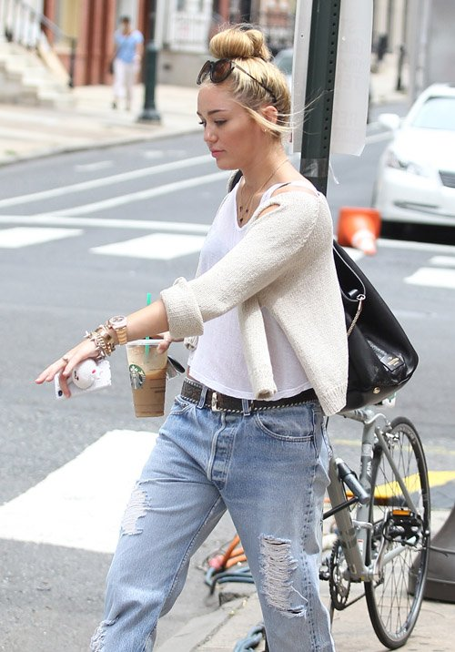 Miley Cyrus' Caffeine Jolted Philadelphia Stroll