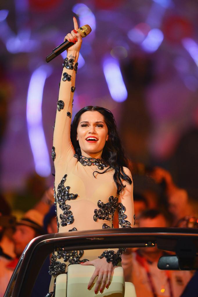 Jessie J, Mel B Olympics Closing Ceremony Nude Bodysuits