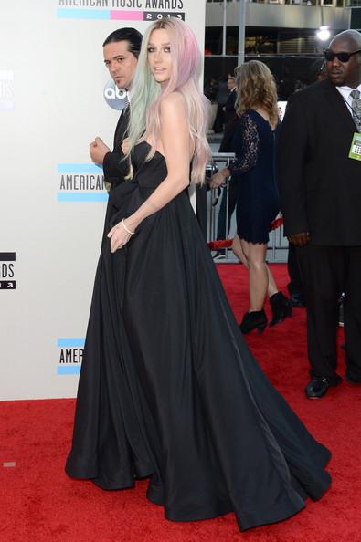 ��� ��� Kesha �� ��� American Music Awards 2013