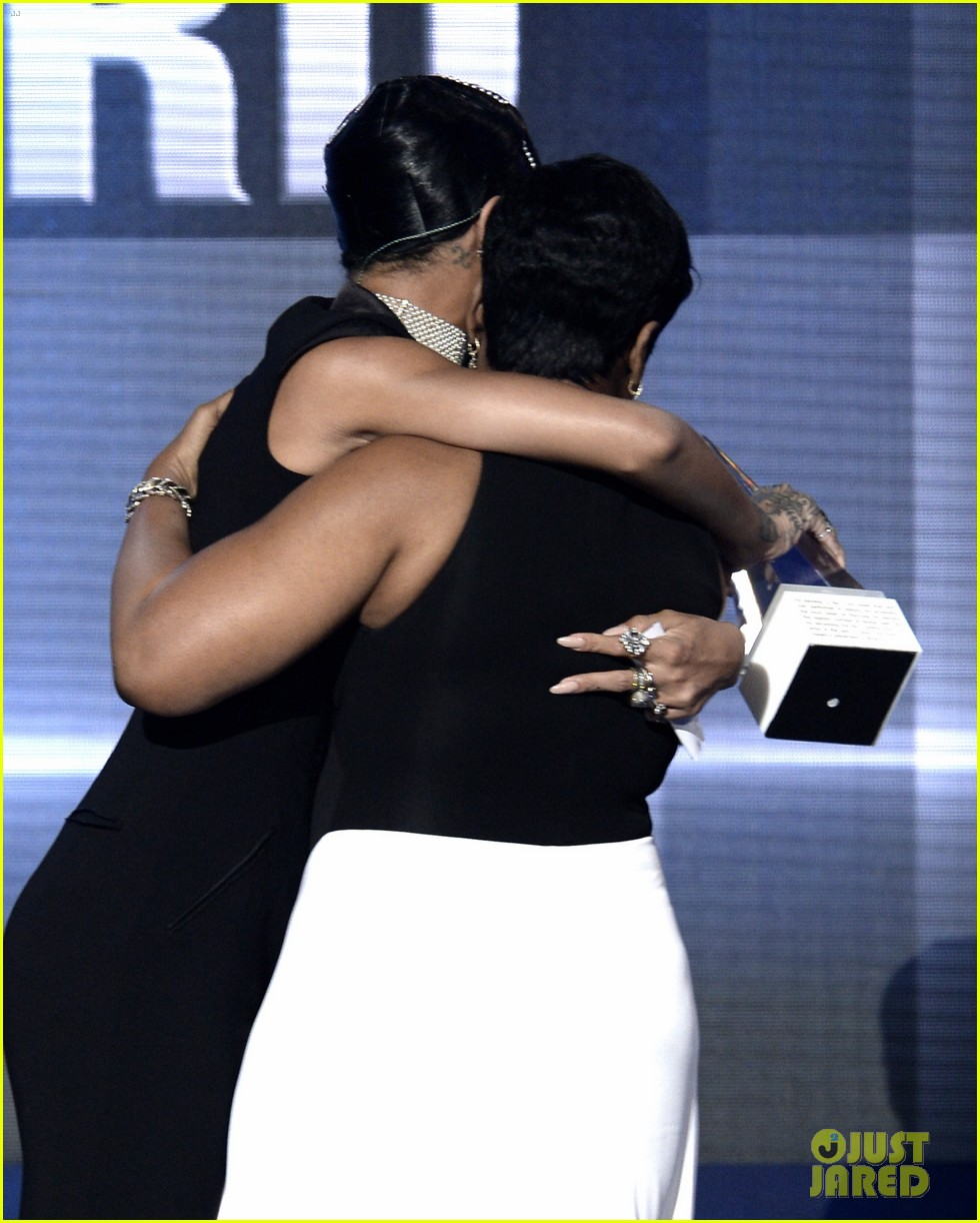��� ������ Rihanna �� ��� American Music Awards 2013