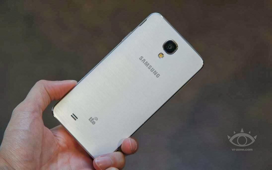 ����� - ������� ������ �� Samsung Galaxy J �� ��������� ��������
