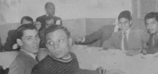 صور نادرة للزعيم عادل امام مع زملاء الدراسة في الجامعة