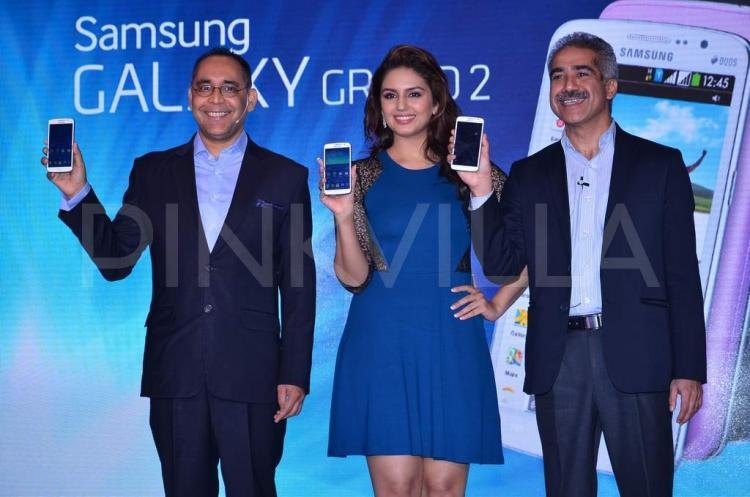 ��� ������� ������� ���� ���� �� ��� ����� Samsung GALAXY Grand , ��� ���� ���� 2014 Huma Qureshi