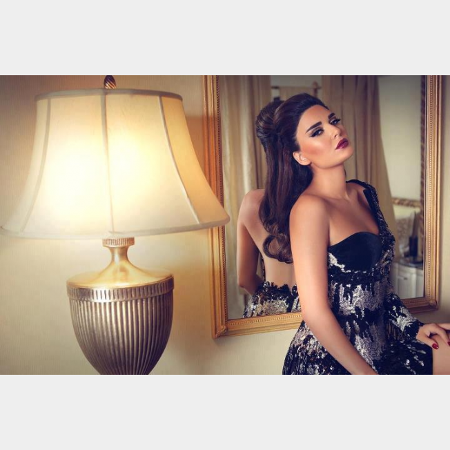 بالصور - صيحات لون شعرك من النجمات والفنانات لشتاء 2014