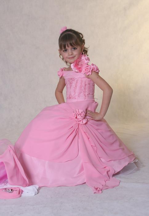 c91f164da صور فساتين سهرة للبنات الصغار ع الموضة 2014