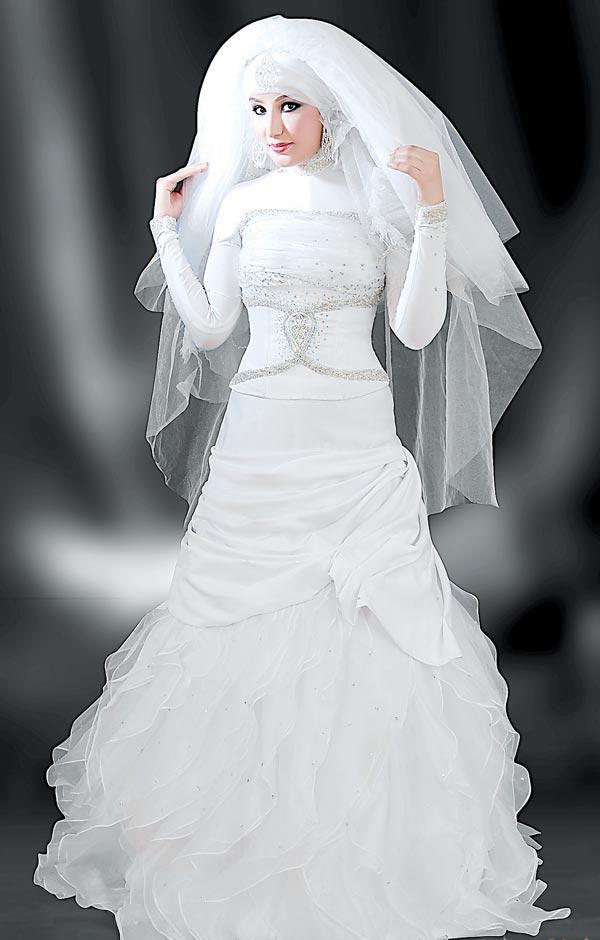 709d48c4280c1 صور فساتين زفاف ناعمة للمحجبات 2014