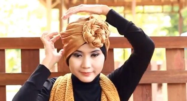 بالفيديو طريقة عمل الضفيرة باستخدام الإيشارب والحجاب
