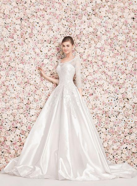38eab00b7f417 صور فساتين زفاف تصميم جورج حبيقة 2014