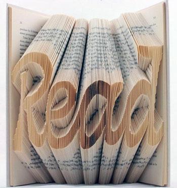 صور كلمات ثلاثية الابعاد 3d منحوتة على الكتب القديمة