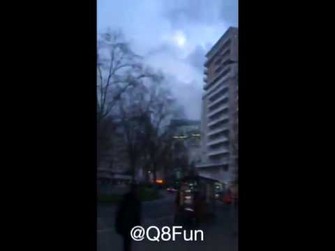 بالفيديو شاب كويتي يترك تذكار سكان باريس - شاهد ماذا فعل