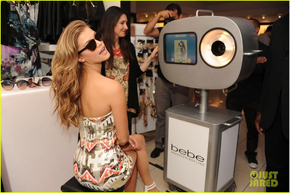 ��� ���� ����� �� ��� ����� Bebe Sunglasses �� �����