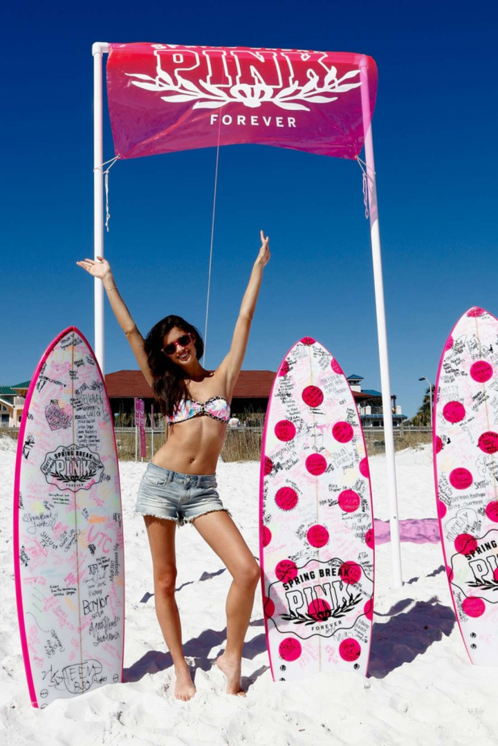 ��� ���� ������� ��������� �� ���� PINK Nation Beach Party �� �������