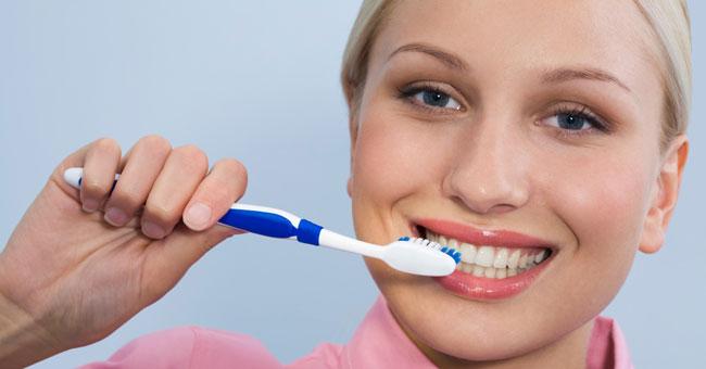 وصفات سريعة لتبييض الأسنان 2014 , وصفات طبيعية فعالة لتبييض الأسنان 2014