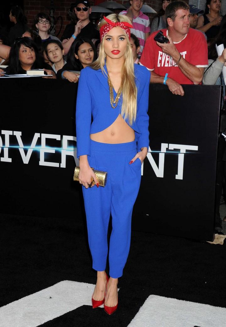 صور بيا ميا بيريز في عرض فيلم Divergent في لوس انجلوس