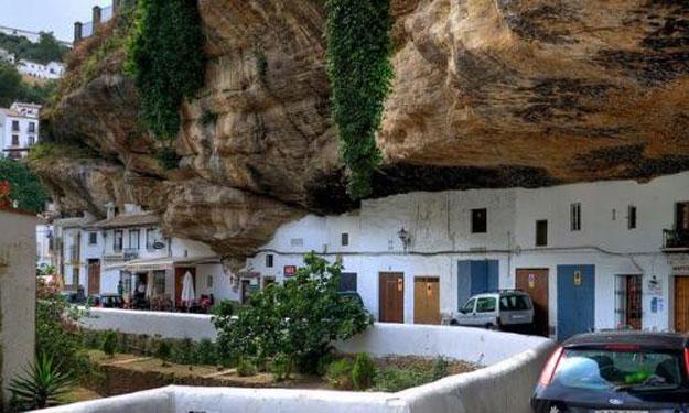 صور مدينة سيتنيل ديلاس بإسبانيا مدينة مبنية تحت صخرة ضخمة 237997_dreambox-sat.com