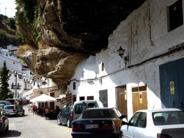صور مدينة سيتنيل ديلاس بإسبانيا مدينة مبنية تحت صخرة ضخمة 238001_dreambox-sat.com