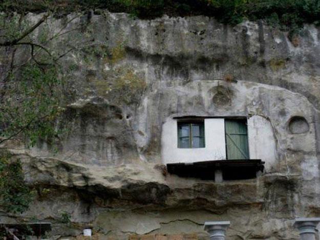 صور مدينة سيتنيل ديلاس بإسبانيا مدينة مبنية تحت صخرة ضخمة 238002_dreambox-sat.com