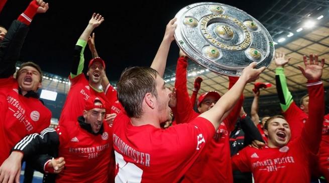 صور احتفال لاعبي بايرن ميونيخ بلقب الدوري ال 24 , صور حفل تتويج بايرن ميونيخ بلقب الدوري 2014