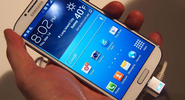 4 ������ ���� ����� Galaxy S5 ���� �� HTC M8