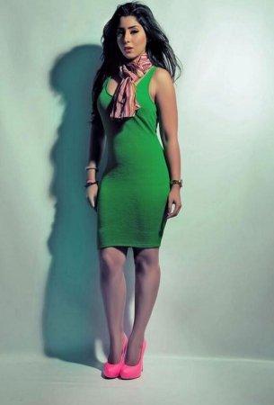 ايتن عامر بفستان أخضر 2014