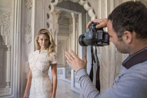 صور بار رفائيلي بفستان الزفاف على مجلة Hola مايو 2014
