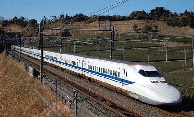 صور أسرع 10 قطارات فى العالم