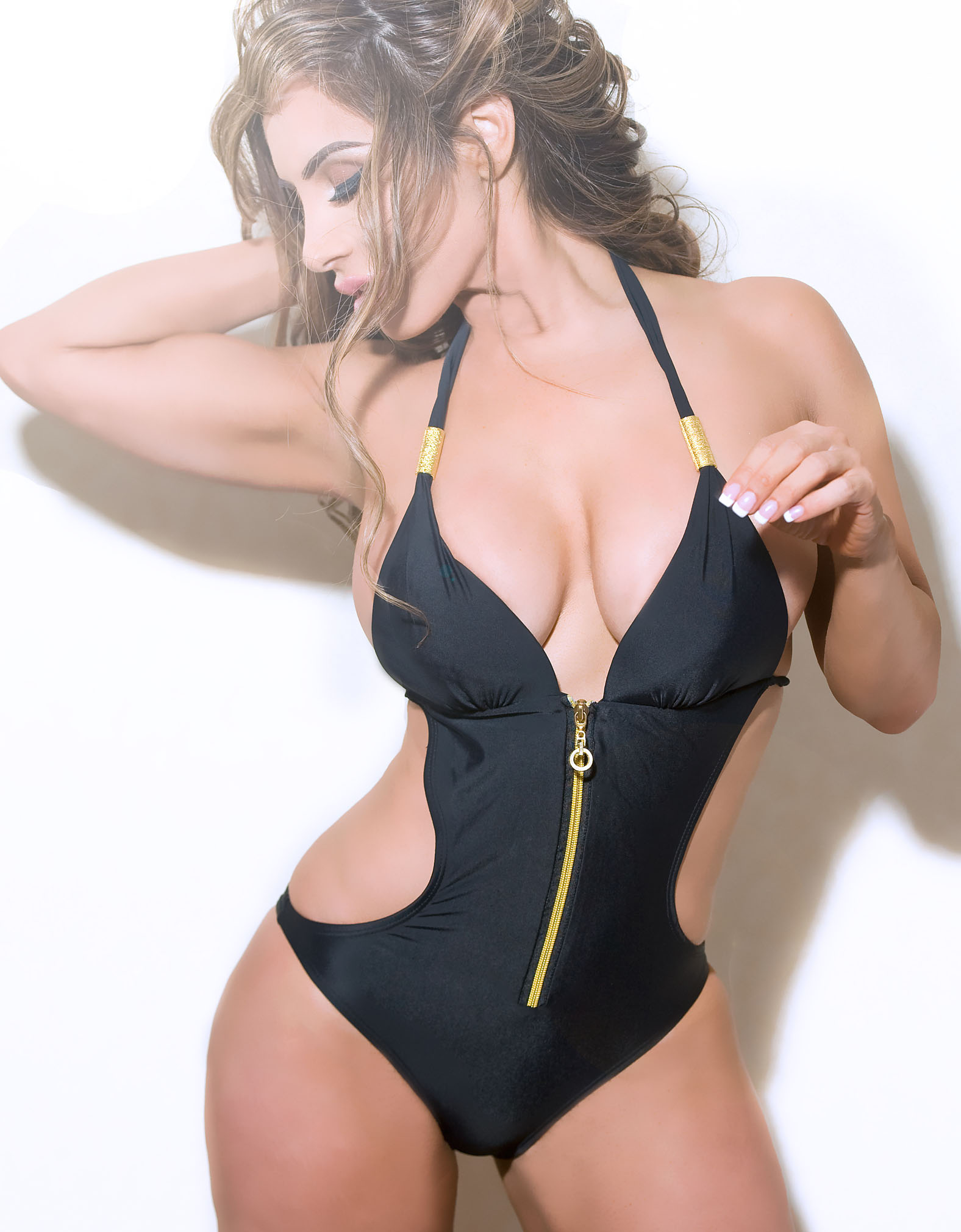 ��� Nikki Giavasis 2015