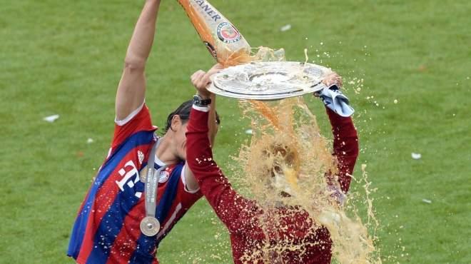 صور احتفال لاعبي بايرن ميونخ بلقب الدوري الالماني للمرة 24