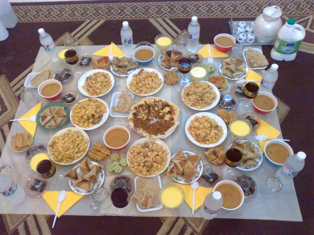 دوامة الفراغ النفور سفرة فطور رمضان انستقرام Comertinsaat Com