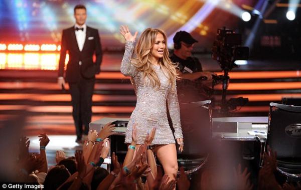 �������� ������ ����� ���� ����� First Love �� ������ American Idol