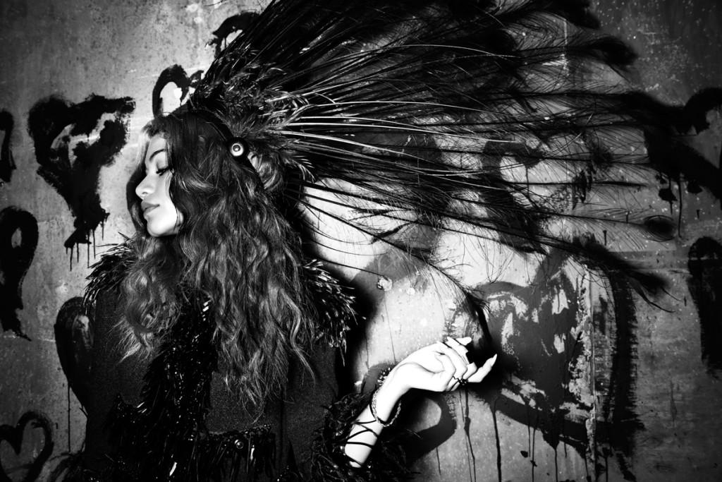 صور زيندايا على مجلة Flaunt يونيو 2014